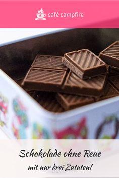 Schokolade! Yeah! Und das ohne Reue. Einfach selbst machen. Und einfach ist echt einfach: nur 3 Zutaten. Kakaobutter. Mandelmus. Kakaopulver. Fertig!