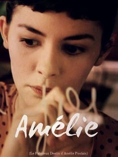 Passeie pelas ruas da capital francesa através de filmes inspiradores: Audrey Tautou em O Fabuloso Destino de Amélie Poulain. #cinema #greygoosecinema