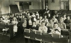 classroom , first class primary, switzerland,1913