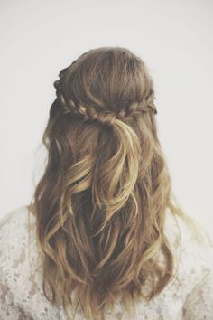 Gorgeous half up half down with braids : wedding hair