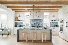 Neutral Kitchen, All White Kitchen, White Kitchen Backsplash, Backsplash Ideas, Kitchen Images, Kitchen Ideas, Updated Kitchen, Kitchen Updates, Interior Design Tips