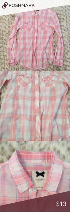 Gilly Hicks Pink Plaid Lightweight button down Gilly Hicks size small lightweight pink plaid boyfriend shirt! So cute! Perfect with shorts or tied around the waist! Excellent used condition! Gilly Hicks Tops Button Down Shirts