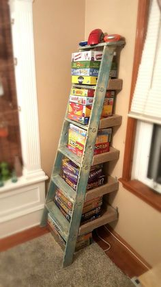 11 Surprising Ways To Reuse Your Household Clutter - this is a great way to get . 11 Surprising Ways To Reuse Your Household Clutter – this is a great way to get the games out of Ladder Shelf Diy, Old Ladder, Wooden Ladder, Ladder Storage, Vintage Ladder, Stair Storage, Ladder Decor, Decoration Palette, Board Game Storage