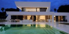 Sotogrande House by A-Cero. Sotogrande House by A-cero Architects. Houses Architecture, Architecture Design, Residential Architecture, Spanish Architecture, Minimalist Architecture, Amazing Architecture, Ultra Modern Homes, Luxury Modern Homes, Luxury Estate