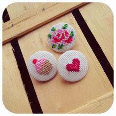Zeinepuu: gül ♥ cupcake ♥ kalp yaka iğnesi