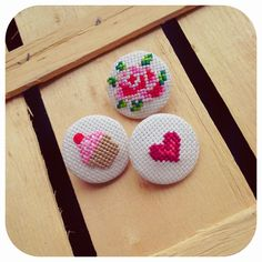 Zeinepuu: Aralık 2013 Mini Cross Stitch, Hama Bead, Cross Stitching, Art Dolls, Crochet Projects, Cross Stitch Patterns, Needlework, Crochet Earrings, Applique