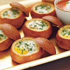 Baked Eggs in Bread Bowls 6 egg recipes-- SO MANY EGGS! After trying these updated egg recipes, you may never just scramble again. See recipes: Spinach and Cheese Quiche Baked Eggs in Bread Bowls Cheesy Corn Spoon Bread Sausa Breakfast Desayunos, Best Breakfast Recipes, Brunch Recipes, Breakfast Ideas, Mexican Breakfast, Breakfast Sandwiches, Breakfast Healthy, Health Breakfast, Breakfast Casserole
