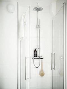Post: Armarios rinconera --> aprovechar espacio deco, armarios ikea, Armarios rinconera, armarios roperos, blog decoracion interiores, modulos armarios, soluciones almacenaje, billy, blanco, cuarto de baño, ducha