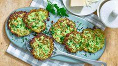 Mit diesem Rezept für Zucchinipuffer können Sie das beliebte Gericht kalorienarm genießen. Unsere köstlichen Low Carb-Puffer lassen sich mit wenig Aufwand schnell zubereiten. Zum Rezept...