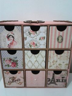 Gaveteiro com nove gavetas, lindamente decorado com papel scrapbooking, apliques… Decoupage Furniture, Cardboard Furniture, Diy Cardboard, Recycled Furniture, Decoupage Vintage, Handmade Crafts, Diy And Crafts, Arts And Crafts, Old Wallpaper