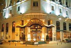 SAR249 يقع فندق لاريس بارك على بعد 250 متر فقط من المحلات التجارية في ميدان تقسيم. ويضم الفندق حديقة شتوية وسبا مجهز جيداً ومركز لياقة بدنية.
