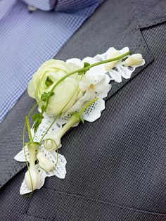 Boutonniere ~ Valentijn Sneek Wonderful accent of Lace.
