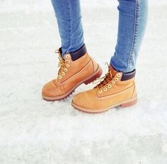 Timberland shoes but less bulky and for girls.---- for some reason these boots are just calling my name! Timberlands Shoes, Timberland Boots, Only Fashion, Work Fashion, Cute Shoes, Me Too Shoes, Shoe Closet, Shoe Bag, Worker Boots