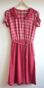 Kleid aus aussortierter Kleidung / Dress made from discarded clothes / Upcycling