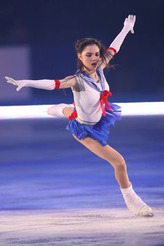 Evgenia Medveda as Sailor Moon Figure Skating Outfits, Figure Skating Costumes, Evgenia Medvedeva Sailor Moon, Kim Yuna, Ice Girls, Ice Skaters, Women Figure, Sporty Girls, Skates