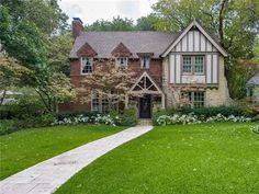 6916 Lakeshore Dr, Dallas, TX 75214 - Home For Sale & Real Estate - realtor.com®