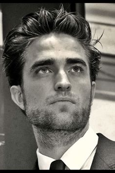 O-O. Cosmo promo Rob was Rob at his most handsome IMO. The hair was perfection, slight tan, long and lean.