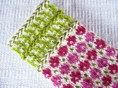 Norwegian Knitting, Knit Mittens, Arm Warmers, Knit Crochet, Gloves, Arms, Blanket, Hand Embroidery, Knitting And Crocheting