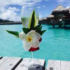 Champagne never looked so good! #borabora