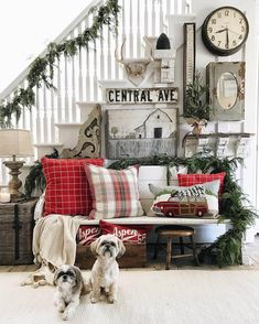 Bench Clad in Red Plaid and Garland Christmas Entryway, Decoration Christmas, Christmas Living Rooms, Christmas Bedroom, Farmhouse Christmas Decor, Christmas Pillow, Cozy Christmas, Christmas Fashion, Country Christmas