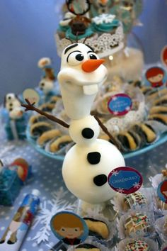 Frozen themed birthday party with Lots of Really Fun Ideas via Kara's Party Ideas | KarasPartyIdeas.com #frozen #frozenparty #partydecor #partyideas #eventplanning #eventplanner (7)