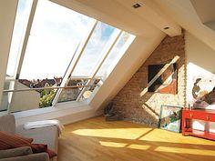 Střešní okna nemusejí být jen malá. Luxusní posuvná velkoformátová střešní okna…