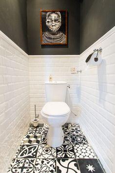 Toilettes en noir et blanc : Toilettes : on se lâche sur la déco ! - Journal des Femmes #Toilets