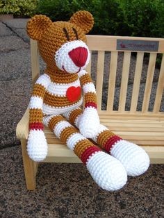 Zimtzucker ♥ Crochet Teddy, Crochet Bear, Love Crochet, Diy Crafts Crochet, Crochet Projects, Knitted Dolls, Crochet Dolls, Crochet Animal Patterns, Knitted Animals