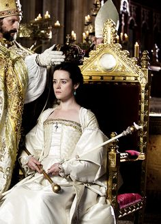 Claire Foy in 'Wolf Hall' Tudor Costumes, Movie Costumes, Cool Costumes, Wolf Hall, Elizabeth Of York, The Other Boleyn Girl, Tudor Fashion, The White Princess, Tudor Era