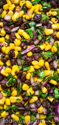 Make this Easy Black Bean and Corn Salsa in just 10 minutes! It's fresh and colorful, perfect for parties, so easy to make, and very addictive! Potluck Recipes, Side Dish Recipes, Mexican Food Recipes, Appetizer Recipes, Salad Recipes, Cooking Recipes, Healthy Recipes, Appetizers, Black Bean Corn Salsa