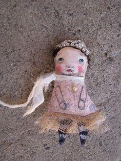 tiny little folk art doll brooch #diy fashion| http://best-creative-handmade-collections.blogspot.com