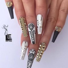Nail art Christmas - the festive spirit on the nails. Over 70 creative ideas and tutorials - My Nails Gold Nails, Stiletto Nails, Pink Nails, Coffin Nails, Acrylic Nail Designs, Nail Art Designs, Nails Design, Versace Tattoo, Logo Versace