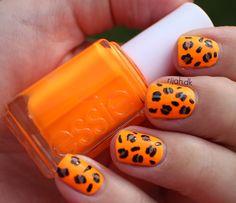 Leo nails #rijahdk #leonails #leopard #nailart #essie #beauty #blogger