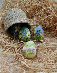 Needle Felted Egg Easter Home Decor Easter Wool Eggs Easter Ornament Eggs Hunting Easter Gift, Easter Crafts, Wooden House Decoration, Waldorf Crafts, Diy Ostern, Needle Felted, Handmade Felt, Egg Hunt, Felt Art