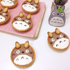Totoro chocolate tarts by Angel (@tmyin11)