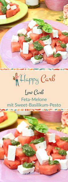 Sommerlich lecker, schmeckt der Salat zu jeder Tageszeit. Low Carb Rezepte von Happy Carb. https://happycarb.de/rezepte/salate/feta-melone-mit-sweet-basilikum-pesto/