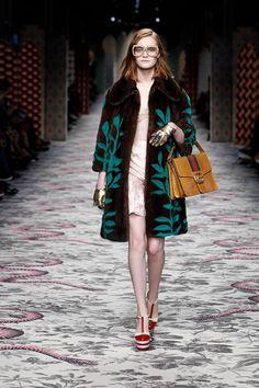 Gucci Women's Spring Summer 2016 Fashion Show