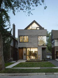 Modernes Traumhaus in einer schmalen Baulücke errichtet