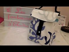 Tuto facile lunch bag - YouTube Sac Lunch, Kids Lunch Bags, Lunch Boxes, Box Couture, Designer Lunch Bags, Ladies Lunch, Insulated Lunch Bags, Boutique, Diaper Bag