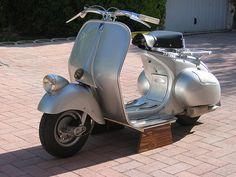 Vespa V98 Vespa Ape, Piaggio Vespa, Vespa Lambretta, Vespa Scooters, Vintage Vespa, Triumph Motorcycles, Vintage Motorcycles, Custom Motorcycles, Vespa Images