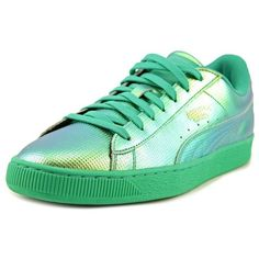 Puma Backet Classic Holographic Men Round Toe Leather Green Sneakers ($50) ❤ liked on Polyvore featuring men's fashion, men's shoes, men's sneakers, green, shoes, puma mens sneakers, mens leather sneakers, mens green leather dress shoes, mens leather shoes and low heel mens dress shoes