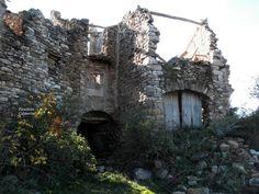 Pueblos deshabitados: La Bastida de Bellera #pallarsjussa #despoblats #pueblosabandonados #vallfosca Casa Ricou