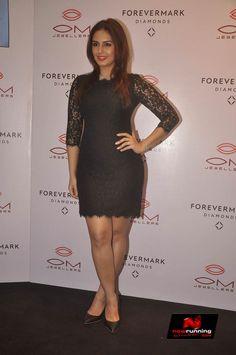 Huma Qureshi at Om Jewellers Store