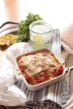 Eggplant Parmesan For One, layers of lightly breaded eggplant slices, melted moz. - Eggplant Parmesan For One, layers of lightly breaded eggplant slices, melted mozzarella cheese and - Cooking For One, Batch Cooking, Cooking Recipes, Cooking Icon, Cooking Hacks, Fast Recipes, Kitchen Dishes, Food Dishes, Main Dishes