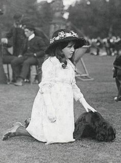 onemoreblogaboutroyals:  Lady Elizabeth Bowes-Lyon (later Duchess of York, Queen Elizabeth, the Queen Mother)