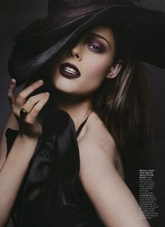 Coco Rocha this reminds me of a pose twiggy did