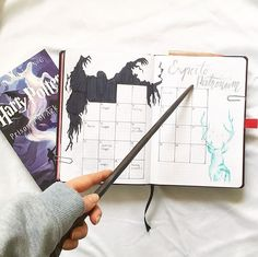 Magical Harry potter bullet journal ideas you need to see! Almost a mess - - Are you a Harry Potter fan looking for some bullet journal inspiration?This post collects more than 40 Harry Potter bullet journal ideas for your bujo. Bullet Journal Monthly Calendar, Bullet Journal Spreads, Bullet Journal Cover Page, Bullet Journal Notebook, Bullet Journal Ideas Pages, Bullet Journal Layout, Bullet Journal Inspiration, Monthly Planner, Blank Calendar