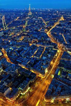 blue hour Paris