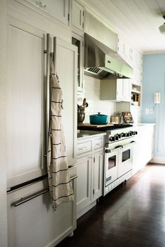 Living With Kids home tour of Kimberly Taylor. Dreamy dream kitchen.