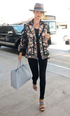 165+Celebrity-Inspired+Outfits+to+Wear+on+a+Plane+-+Rosie+Huntington-Whiteley +-+from+InStyle.com